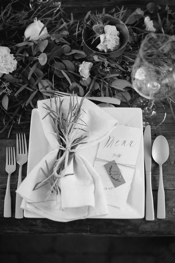 romantic-modern-wedding-table-place-setting